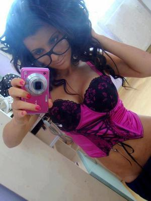 Kaci is looking for adult webcam chat