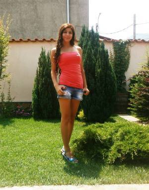 Eartha from  is looking for adult webcam chat
