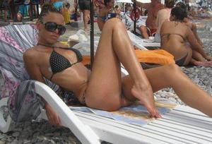 Bobette from Florida is looking for adult webcam chat