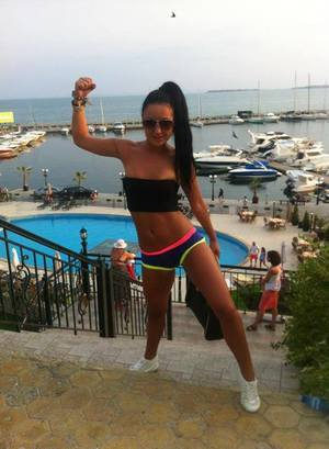 Dwana from  is looking for adult webcam chat