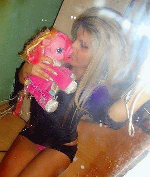 Meet local singles like Pricilla from Wisconsin who want to fuck tonight