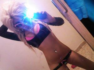 Looking for local cheaters? Take Ivonne from Marengo, Iowa home with you